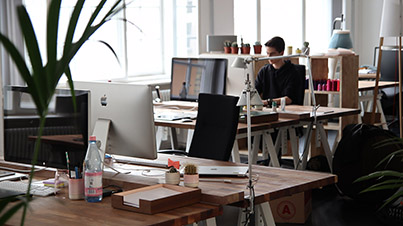 Come posizionare la scrivania in ufficio sediadaufficio