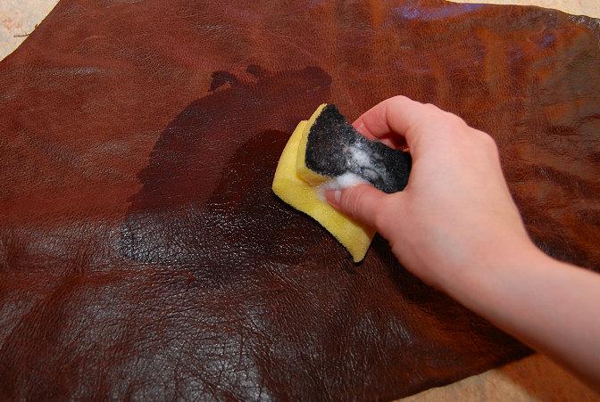 Come pulire i divani in pelle: novità e curiosità sulle sedie da